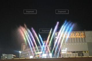 近くに夜の光の家のの写真・画像素材[795331]