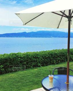 海沿いのカフェの写真・画像素材[806263]