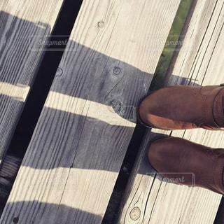 桟橋をわたるの写真・画像素材[875148]