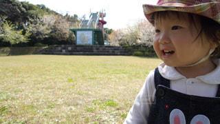 帽子をかぶった小さな女の子 - No.797914