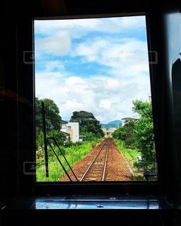 田舎への帰り道の写真・画像素材[796890]