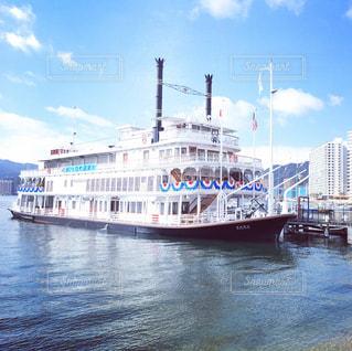 びわ湖開きに出航する観光船ミシガンの写真・画像素材[804629]