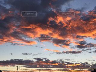 オレンジ色の空の写真・画像素材[800209]