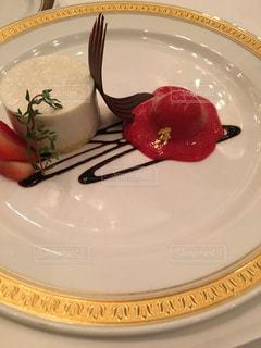 ホテルディナーのデザート - No.800378