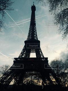 時計と大きな背の高い塔 - No.873636