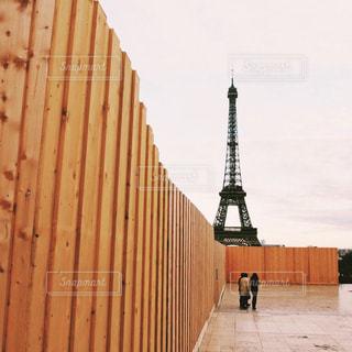 大きなオレンジ色の建物の写真・画像素材[801454]