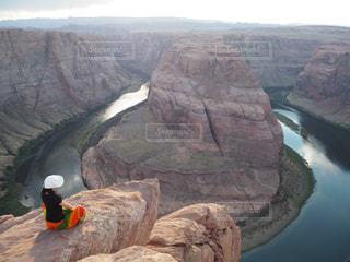 背景の山と渓谷の写真・画像素材[802635]