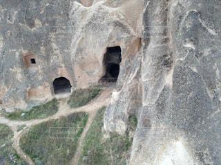 近くの岩のアップの写真・画像素材[803338]