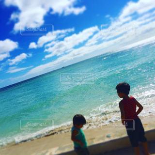 ビーチと子供たちの写真・画像素材[802737]