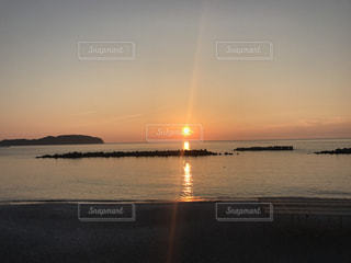 沈む夕日の写真・画像素材[809017]