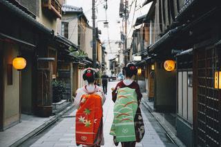 街を歩いている人の写真・画像素材[870919]