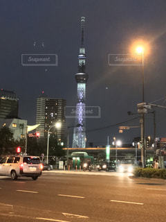 夜の東京スカイツリーの写真・画像素材[803928]