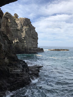 海と空と岩の写真・画像素材[805304]