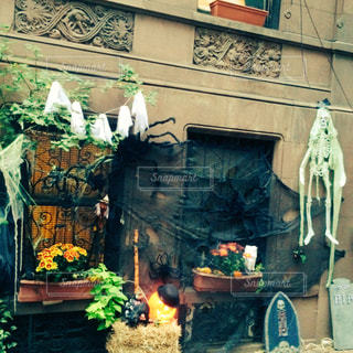 店の前の暖炉の写真・画像素材[806526]