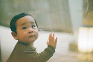 彼の歯を磨く少年の写真・画像素材[1007812]