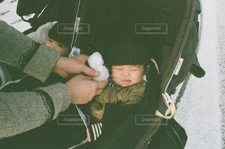 帽子をかぶった男の子の写真・画像素材[1158472]