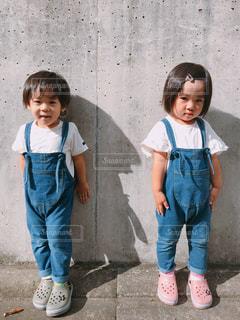双子コーデの写真・画像素材[2707089]