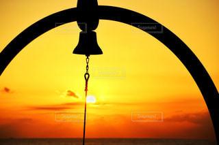 サンセットパームラインの夕日の写真・画像素材[807904]