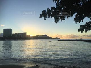 ハワイの日の出の写真・画像素材[810788]