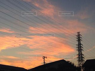 夕暮れ時の都市の景色の写真・画像素材[809855]