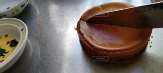焼き立てのチーズケーキの写真・画像素材[3492074]
