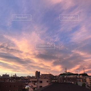 街の夕暮れの景色の写真・画像素材[1511827]