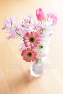 花瓶の花の写真・画像素材[811899]