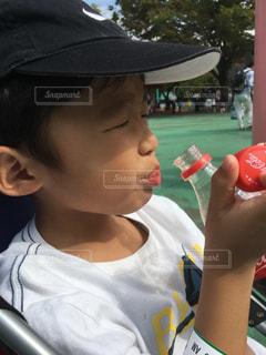 コーラが好きになった5歳の写真・画像素材[811531]