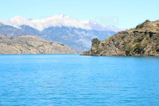ミネラル豊富な湖の写真・画像素材[824751]