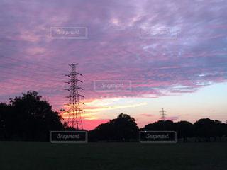 秋の夕焼けの写真・画像素材[832035]