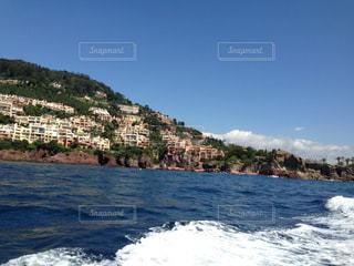 海で山で水の体の写真・画像素材[815361]