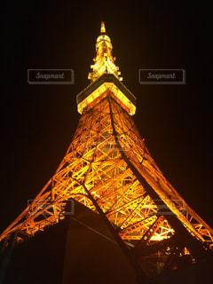 クロック タワーは夜ライトアップの写真・画像素材[816218]