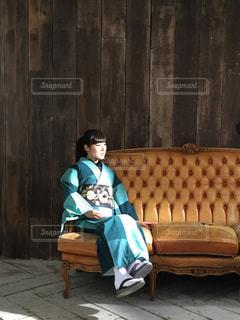 アンティーク椅子の座り心地の写真・画像素材[828338]