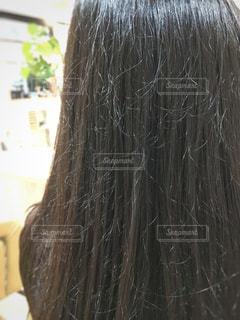 枝毛、切れ毛のある髪の写真・画像素材[903328]