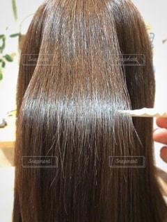 ツヤのある髪の毛のアップ写真の写真・画像素材[1563479]