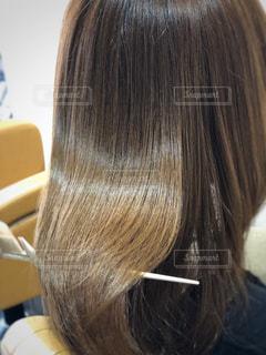 ツヤツヤの髪の毛の写真・画像素材[1860823]
