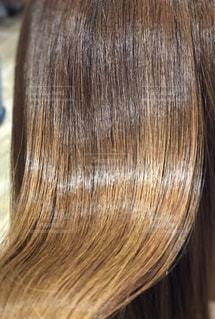 ツヤのある髪の毛のアップ写真。の写真・画像素材[1914281]