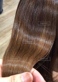 髪を持つ写真の写真・画像素材[1914284]