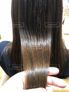 ツヤのある髪のアップ写真です♪の写真・画像素材[2180835]