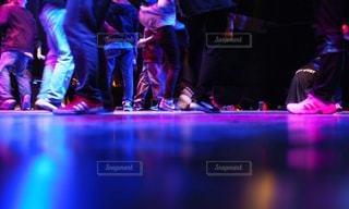 ステージ上の人々 のグループの写真・画像素材[879310]