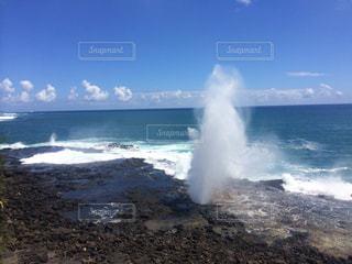 ハロナ潮吹き岩の写真・画像素材[818137]