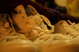 白スニーカーの写真・画像素材[821736]
