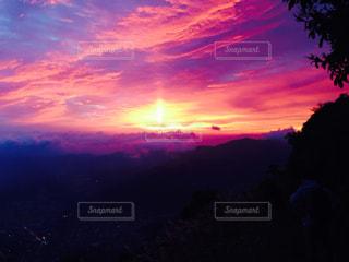 夕夜の空の写真・画像素材[820864]