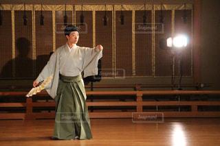 日本舞踊を踊る男の写真・画像素材[821024]