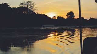 沈む夕日の写真・画像素材[821220]