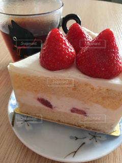 ケーキとコーヒーの写真・画像素材[873655]