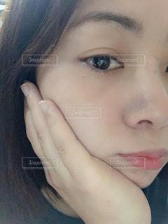 女の子のクローズアップの写真・画像素材[2116471]