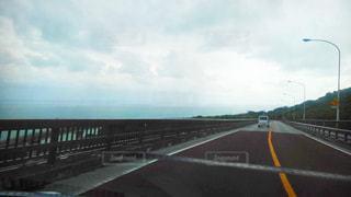 高速道路に架かる橋の写真・画像素材[2925625]