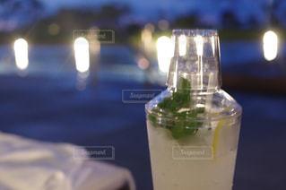 オレンジ ジュースのガラスの写真・画像素材[825785]