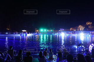 夜の大群衆の写真・画像素材[823636]